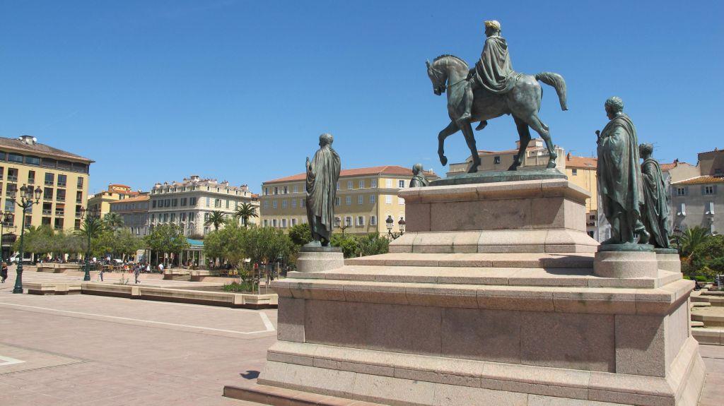 Napoléon et ses 4 frères | Ajaccio | photo Corsicamore